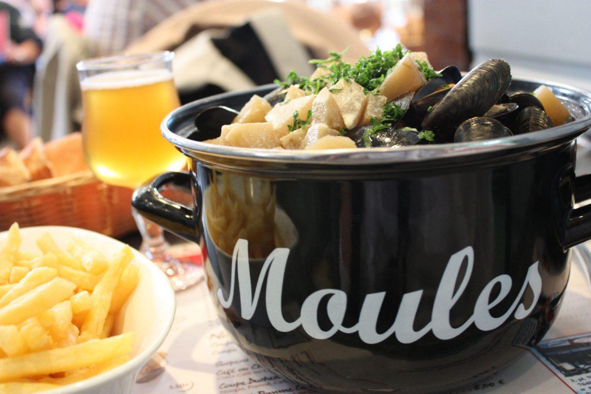 Moules frites - Fête du hareng de Fécamp - © OT de Fécamp