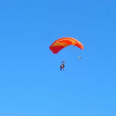 I posti migliori per fare il grande salto con il paracadute!