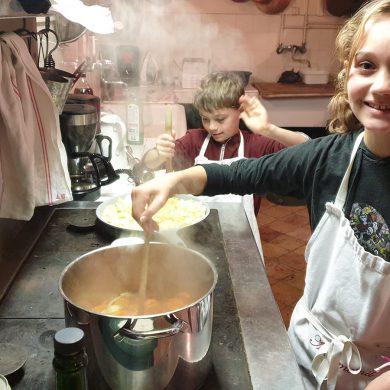 """Dall'orto al piatto: i bambini diventano """"re"""" del castello di Miromesnil"""