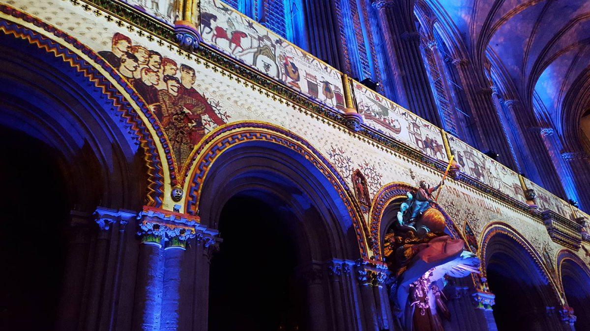 Son et lumières à l'intérieur de la cathédrale de Bayeux
